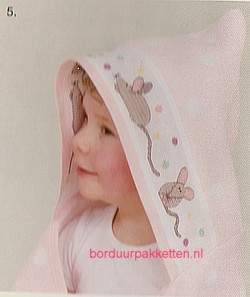 BABY: badgoed, slabs, capes enz. | Rico Design | 740244.65: NOG 1 X, ONLY 1 X | Babycape roze met witte stip ,  70x80 cm, Rico Design
