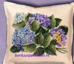 Cushions counted c.s. on  evenweaves/linens/aida | Eva Rosenstand | 42-372 (077-42372) | Eva Rosenstand: cushion with hydrangeas